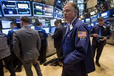 Wall Street a ouvert mercredi sans grand changement dans un marché attentiste avant le compte rendu de la dernière réunion de politique monétaire de la Réserve fédérale. En début de séance, le Dow Jones gagne  0,06%, à 17.886,59. Le Standard & Poor's 500 progresse de 0,03% et le Nasdaq prend 0,08%. /Photo prise le 6 avril 2015/REUTERS/Brendan McDermid