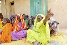 Mulheres que sobreviveram à ocupação do Boko Haram em Damasak, na Nigéria. 24/03/2015. REUTERS/Joe Penney