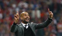 Técnico do Bayern de Munique, Pep Guardiola, durante partida contra o Porto pela Liga dos Campeões.      21/04/2015    Reuters / Kai Pfaffenbach