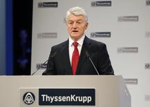 Heinrich Hiesinger, CEO of Germany-based technology holding company ThyssenKrupp AG, addresses the company's annual shareholders meeting in the western German city of Bochum, January 30, 2015. REUTERS/Wolfgang Rattay