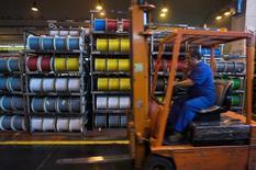 """Nexans a enregistré une croissance organique de 1,8% de son chiffre d'affaires au premier trimestre 2015, marqué par une amélioration du mix en Europe qui permet de compenser la faiblesse de l'activité au Brésil, en Australie et dans le secteur """"Oil & Gas"""". /Photo d'archives/REUTERS/Victor Fraile"""