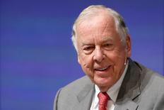 Energy investor T. Boone Pickens participates in the Washington Ideas Forum, in Washington October 29, 2014. REUTERS/Jonathan Ernst