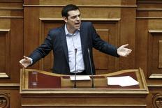 Tsipras durante su comparecencia en el parlamento, el  8 de mayo de 2015. El primer ministro griego, Alexis Tsipras, vaticinó el viernes un pronto final feliz a las tensas negociaciones con sus acreedores sobre un acuerdo de dinero a cambio de reformas.REUTERS/Alkis Konstantinidis