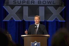NFL Commissioner Roger Goodell speaks to the media before Super Bowl XLIX in Phoenix, Arizona January 30, 2015. REUTERS/Lucy Nicholson