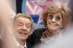 Jerry Stiller and his wife Anne Meara attend a ceremony where the couple is honored with a star on the Hollywood Walk of Fame in Los Angeles, California February 9, 2007. REUTERS/Phil McCarten