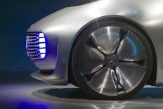 Frente do carro conceito Mercedes-Benz F015 Luxury in Motion, em Las Vegas. 05/01/2015 REUTERS/Steve Marcus