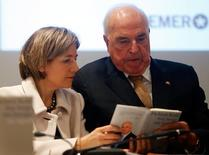 "Former German chancellor Helmut Kohl and his wife Maike Richter-Kohl (L) present his new book ""Worried About Europe"" (Aus Sorge um Europa) during a news conference in Frankfurt, November 3, 2014.   REUTERS/Kai Pfaffenbach"