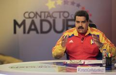 "Venezuela's President Nicolas Maduro speaks during his weekly broadcast ""en contacto con Maduro"" (In contact with Maduro) at the Miraflores Palace in Caracas, in this June 2, 2015 handout picture provided by Miraflores Palace. REUTERS/Miraflores Palace/Handout via Reuters"