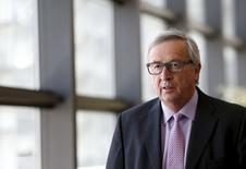 La exasperación de la Unión Europea en torno a Grecia estalló con fuerza el domingo, cuando el presidente de la Comisión Europea, Jean-Claude Juncker, reprendió al primer ministro griego, Alexis Tsipras, y advirtió que el tiempo se está agotando para finalizar un acuerdo que evite una dañina moratoria en el pago de la deuda en Atenas. En la imagen, Juncker llega a un seminario económico en Bruselas. 4 junio 2015. REUTERS/Francois Lenoir