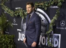 """Cast member Chris Pratt poses at the premiere of """"Jurassic World"""" in Hollywood, California, June 9, 2015. The movie opens in the U.S. on June 12. REUTERS/Mario Anzuoni"""
