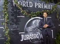 """Cast member Chris Pratt poses at the premiere of """"Jurassic World"""" in Hollywood, California, June 9, 2015.  REUTERS/Mario Anzuoni"""