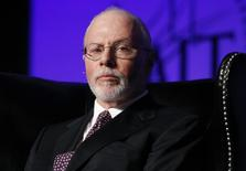Paul Singer, founder, CEO, and co-chief investment officer for Elliott Management Corporation, attends the Skybridge Alternatives (SALT) Conference in Las Vegas, Nevada May 9, 2012.  . REUTERS/Steve Marcus