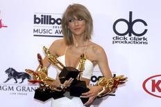 Cantora Taylor Swift durante premiação da Billboard em Las Vegas.   17/5/2015. REUTERS/L.E. Baskow