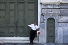 La Grèce se prépare lundi à un référendum sur le projet d'accord refusé par son gouvernement sans espoir de nouvelles propositions de la part de ses créanciers. /Photo prise le 29 juin 2015/REUTERS/Alkis Konstantinidis