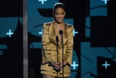 Rihanna durante premiação em Los Angeles.   28/6/2015.  REUTERS/Kevork Djansezian