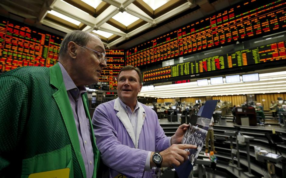 Closing Bell Rings On Chicago Futures Pits For Final Time Reuters