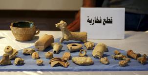 Artefatos recuperados são exibidos no Museu Nacional de Bagdá. 15/07/2015 REUTERS/Thaier Al-Sudani