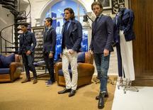 Modelos apresentam criações da coleção Primavera 2016 da Polo Ralph Lauren, na semana de moda masculina de NY. 16/07/2015 REUTERS/Brendan McDermid