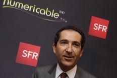 Patrick Drahi, le fondateur d'Altice. Le groupe annonce mercredi avoir acquis pour un peu plus de 2,3 millions d'euros d'actions de sa filiale Numericable-SFR. /Photo d'archives/REUTERS/Philippe Wojazer