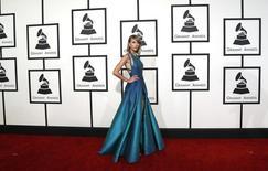 Cantora pop Taylor Swift chega ao Grammy Awards, em Los Angeles, nos Estados Unidos, em fevereiro. 08/02/2015 REUTERS/Mario Anzuoni