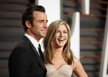 Actress Jennifer Aniston and fiance Justin Theroux arrive at the 2015 Vanity Fair Oscar Party in Beverly Hills, California February 22, 2015. REUTERS/Danny Moloshok