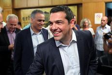 Le Premier ministre grec, Alexis Tsipras. La Grèce a obtenu auprès de ses créanciers internationaux un plan d'aide d'environ 85 milliards d'euros sur trois ans, a déclaré mardi un responsable du ministère grec des Finances. /Photo prise le 5 août 2015/REUTERS/Yiannis Kourtoglou