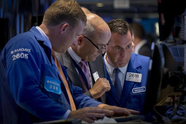米国株式市場は続落、FOMC議事要旨受け9月利上げ観測後退