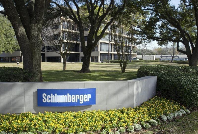 Schlumberger to buy oilfield gear maker Cameron in $14 8