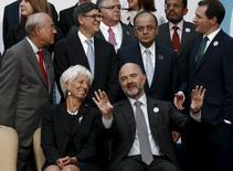 La directrice générale du Fonds monétaire international, Christine Lagarde, et le Commissaire européen aux affaires économiques et financières, Pierre Moscovici, lors de la réunion du G20 à Ankara. /Photo prise le 5 septembre 2015/REUTERS/Umit Bektas