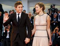 "Actor Eddie Redmayne and his wife Hannah Bagshawe attend the red carpet event for the movie ""The Danish Girl"" at the 72nd Venice Film Festival, northern Italy September 5, 2015. REUTERS/Stefano Rellandini"