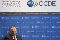 Le secrétaire général de l'Organisation de coopération et de développement économiques (OCDE) Angel Gurria, en janvier dernier, au Mexique. La dynamique de croissance reste globalement stable dans les économies avancées mais se dégrade dans la plupart des grands pays émergents, à commencer par la Chine, selon l'organisation. /Photo prise le 8 janvier 2015/REUTERS/Edgard Garrido