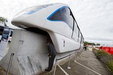 Innovia Monorail 300 de Bombardier. Le groupe industriel canadien Bombardier a rejeté une offre chinoise d'achat de ses activités ferroviaires. La société publique Beijing Infrastucture Investment (BII), opératrice de 18 lignes de métro à Pékin, se proposait de racheter 60 à 100% de Bombardier Transport. /Photo prise le 25 septembre 20214/REUTERS/Thomas Peter