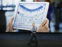 CEO da Apple, Tim Cook, durante apresentação do iPad Pro. 09/09/2015. Reuters/Beck Diefenbach