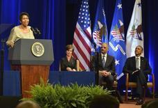 Aretha Franklin canta no Departamento de Justiça dos EUA.  27/02/2015.     REUTERS/Mike Theiler