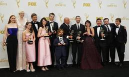 """Elenco da série da HBO """"Game of Thrones"""" durante o Emmy, em Los Angeles.  21/09/2015  REUTERS/Mike Blake"""