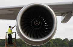 BBA Aviation, prestataire de services aéronautiques britannique, a proposé au fonds d'investissement Carlyle Group de lui racheter son concurrent américain Landmark Aviation pour 2,065 milliards de dollars (1,86 milliard d'euros). /Photo d'archives/REUTERS/Vivek Prakash