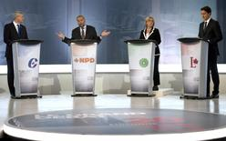 L-R: Conservative Leader Stephen Harper, NDP Leader Tom Mulcair, Green party Leader Elizabeth May and Liberal Leader Justin Trudeau take part in the French-language debate in Montreal September 24, 2015.  REUTERS/Adrian Wyld/Pool