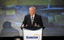 Steve Williams, president and CEO of Suncor Energy Inc., speaks at their annual general meeting in Edmonton April 29, 2014.   REUTERS/Dan Riedlhuber