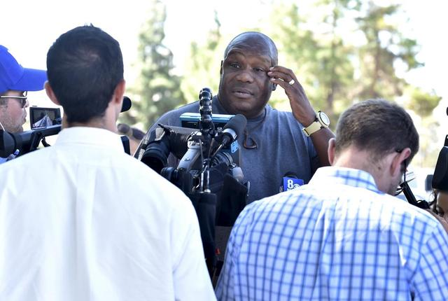 Ex-NBA star Odom reported critical, Kardashian at his side | Reuters