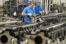 Le confiance des dirigeants de PME et ETI (entreprises de taille intermédiaire) continue de s'améliorer sur la lancée de son embellie de l'été même s'ils sont un peu plus pessimistes sur l'économie française, /Photo d'archives/REUTERS/Yves Herman
