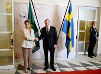 Presidente Dilma Rousseff e premiê da Suécia, Stefan Lofven, em Estocolmo. 19/10/2015 REUTERS/Maja Suslin/Agência TT