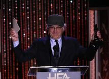 Actor Robert De Niro accepts the Hollywood Career Achievement Award at the Hollywood Film Awards November 1, 2015. REUTERS/Mario Anzuoni