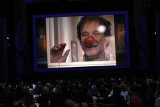 Imagem de ator Robin Williams aparece em homenagem em Los Angeles. 25/1/2015   REUTERS/Mario Anzuoni