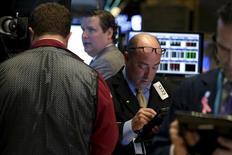 Wall Street a ouvert en légère hausse mercredi. Quelques minutes après l'ouverture, le Dow Jones progresse de 0,12% à 17.779,82, tandis que le Standard & Poor's 500 avance de 0,13% et que le Nasdaq Composite gagne 0,07%. /Photo d'archives/REUTERS/Brendan McDermid