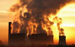 Centrale au charbon de Fiddlers Ferry, près de Liverpool. La Grande-Bretagne veut fermer toutes ses centrales électriques au charbon d'ici 2025 et réduire leur production à partir de 2023. /Photo d'archives/REUTERS/Phil Noble