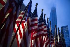 Bandeiras dos Estados Unidos vistas em Manhattan, Nova York.   11/09/2015    REUTERS/Andrew Kelly
