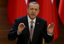 Presidente turco Erdogan faz discurso em Ancara, na Turquia.  26/11/2015.  REUTERS/Umit Bektas