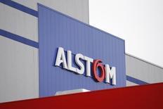 Alstom a signé les méga-contrats conclus en Inde et annoncés au début novembre pour plus de 3,7 milliards d'euros afin de fournir 800 locomotives électriques et construire une usine de fabrication dans l'Etat de Bihar. /Photo d'archives/REUTERS/Stéphane Mahé