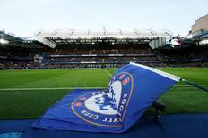 Bandeira do Chelsea vista no estádio Stamford Bridge, na Inglaterra.  21/11/2015 Action Images via Reuters / Andrew Boyers Livepic