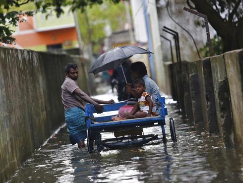 India bolsters Chennai flood relief, residents criticize slow response